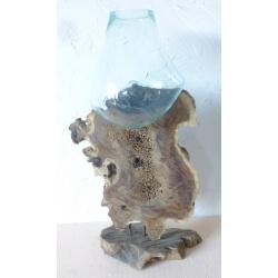 verre soufflé sur pied G10