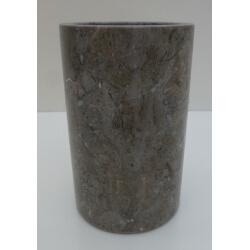 Gobelet en marbre gris poli